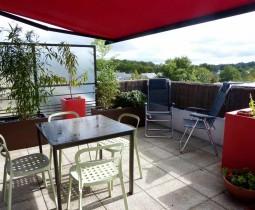 Terrasse aménagée par ADJ Espaces Verts - avec toile tendue, à Saint Mars de Coutais